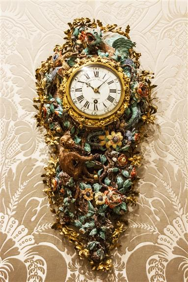 Porcelain wall clock, Chantilly & Paris, ca. 1740