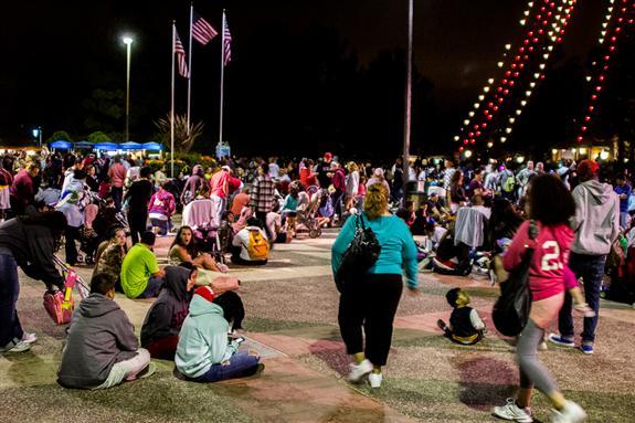SeaWorld San Diego crowds for the 2012 fireworks show