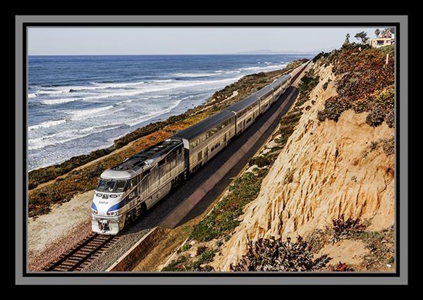 Amtrak Pacific Surfliner in Del Mar, California