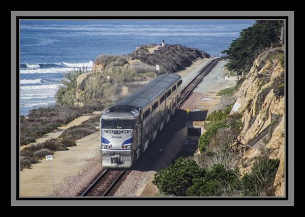 Amtrak Pacific Surfliner in Del Mar, California