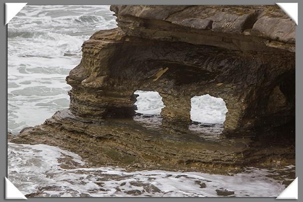 Sandstone arch at Sunset Cliffs in San Diego