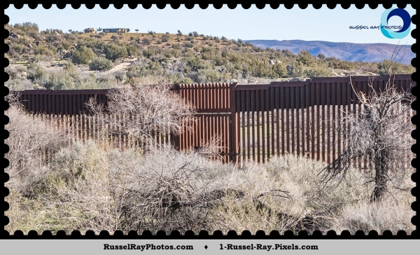 Border wall with gate