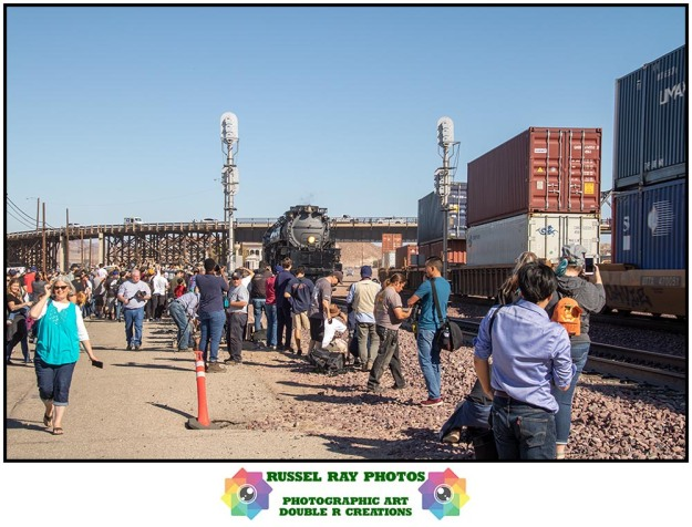 Crowds watching Big Boy in Barstow on 10/12/19