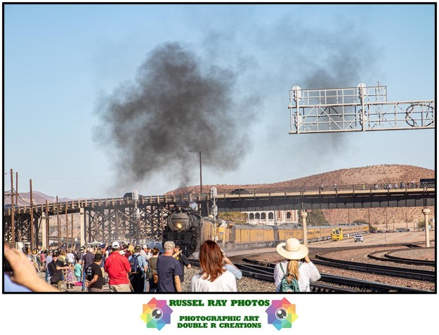Crowd watching Big Boy at Barstow on 10/12/19