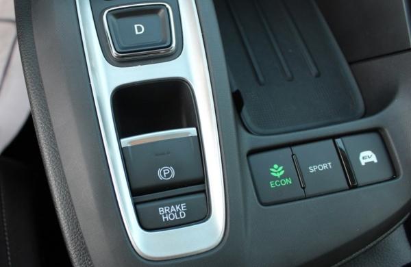 Brake Hold in the 2019 Honda Insight